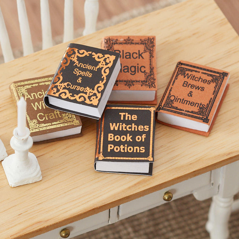 Dollhouse Miniature Artisan Open Ancient Witch/'s Potions /& Spells Book