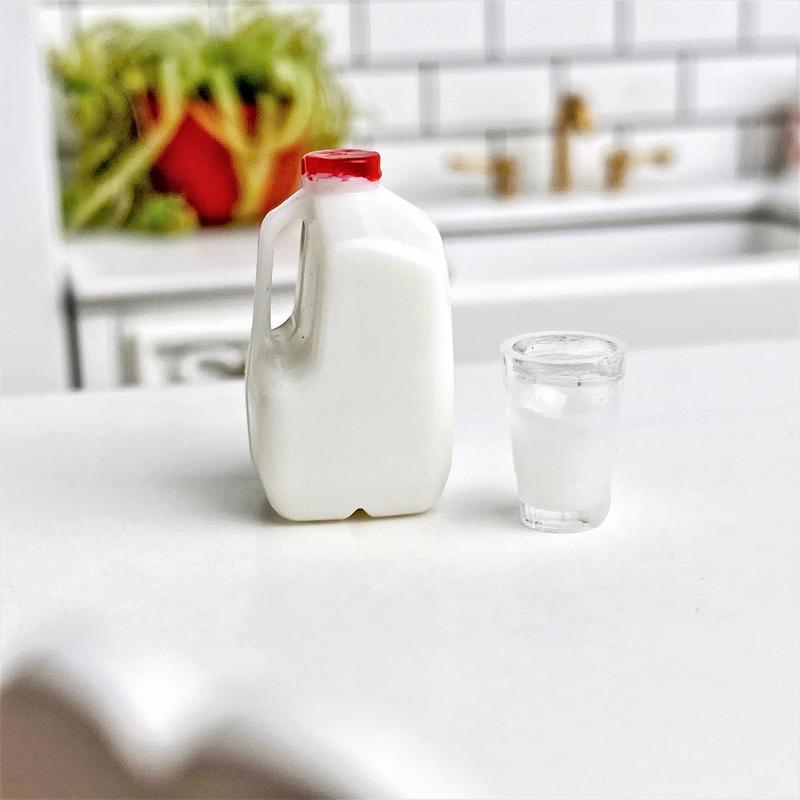 Mini Glass Jug for Miniature Fridge Milk Jug Dolls House Kitchen Accessories